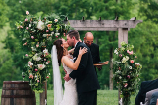 Brueggemann_Fehr_Cassidy_Parker_Smith_Photography_AmyNeilWeddingTBL123_low-780x520
